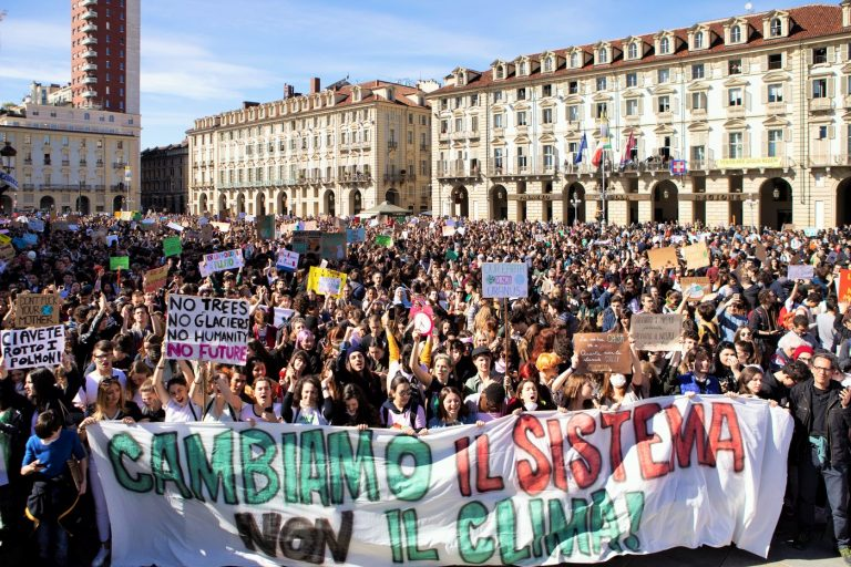Gli irriducibili di Piazza Castello – Intervista A Fridays For Future Torino